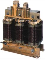 Transformer with built-in reactor